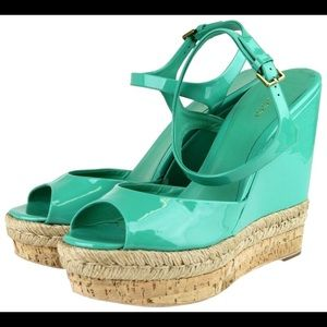 EUC Gucci Green Hollie Patent Leather Wedges